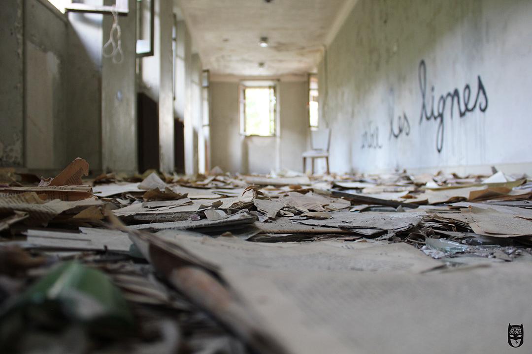 Batman et Gogol Félix Zehentner Sanatorium abandonné