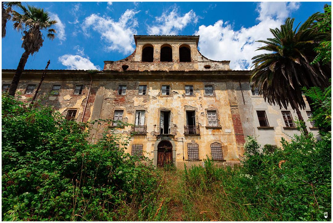 asile psychiatrique villa sbertoli urbex italie exploration urbaine
